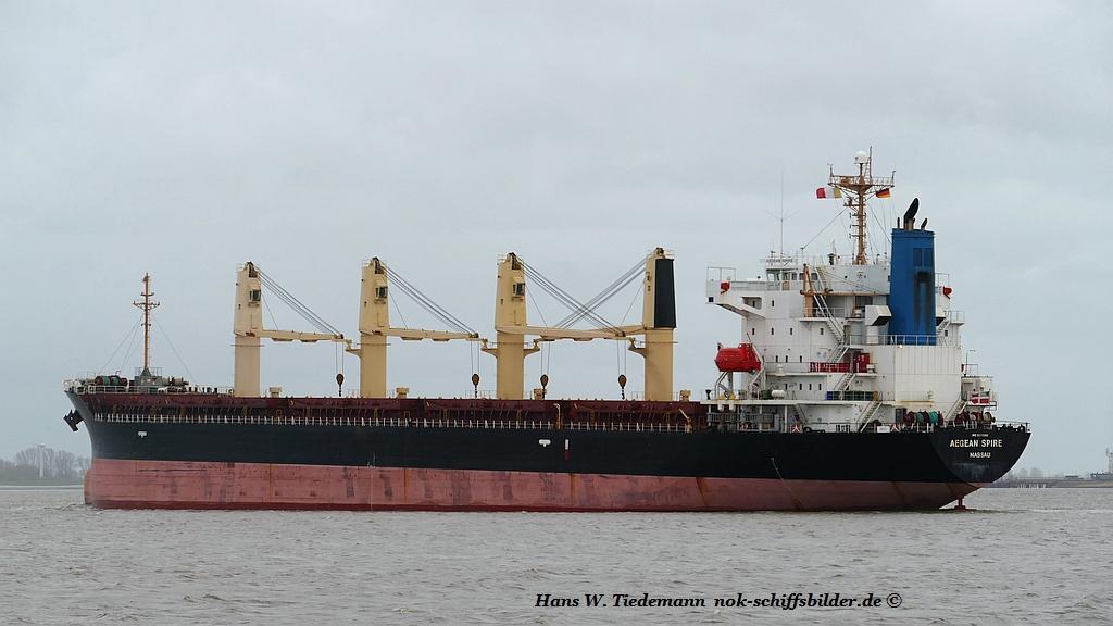 Aegean Spire, BHS, IMO 9370381 - Weser 26.03.2019.jpg