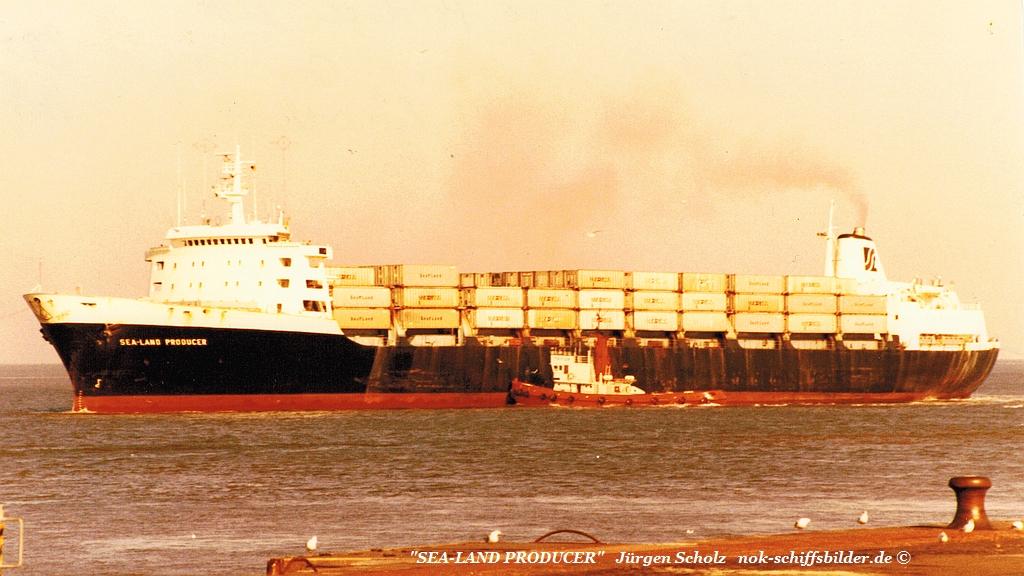 SEA-LAND PRODUCER Weser Bremerhaven 08.1982.jpg