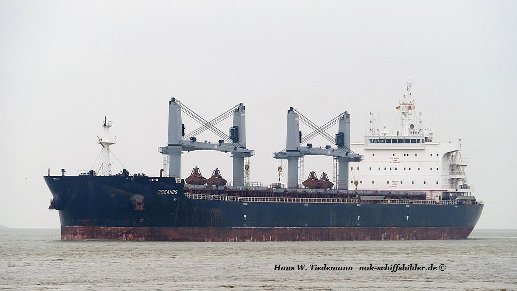 Oceanus, LBR, -15, 36.362 gt - Weser 29.04.2019.jpg