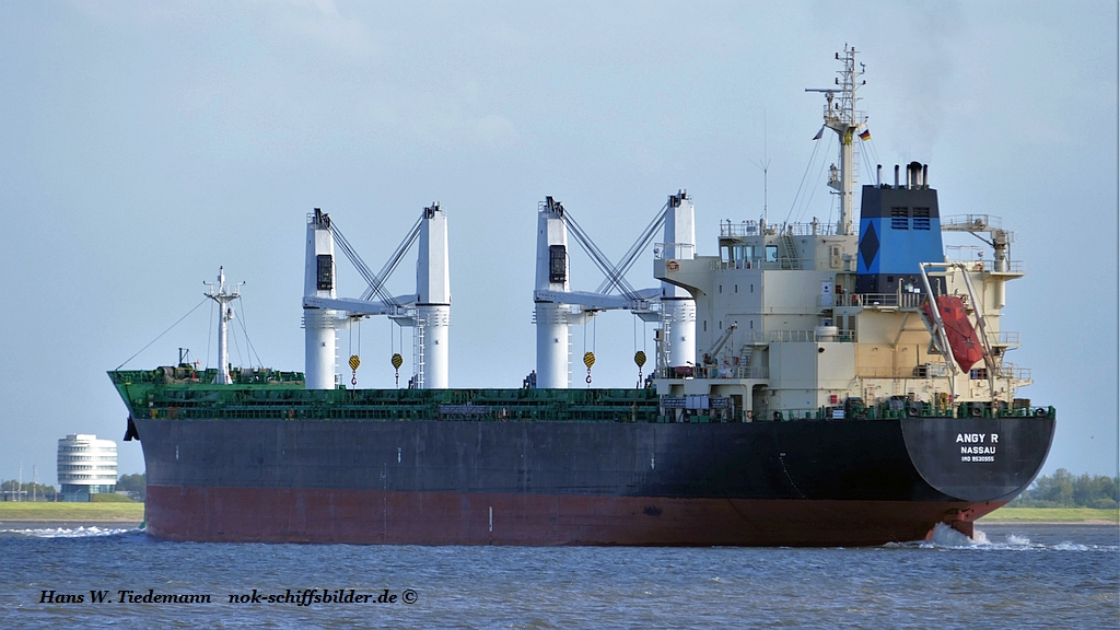 Angy R, BHS, IMO 9530955 - Weser.jpg