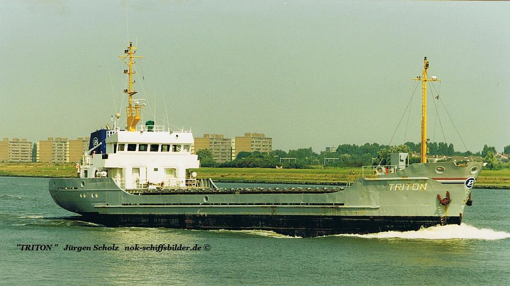 TRITON  Rotterdam 08.2000.jpg