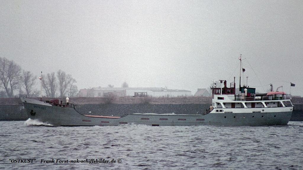 Ostkust (200385)   Alphen a-d Rijn, Boot Industries.jpg