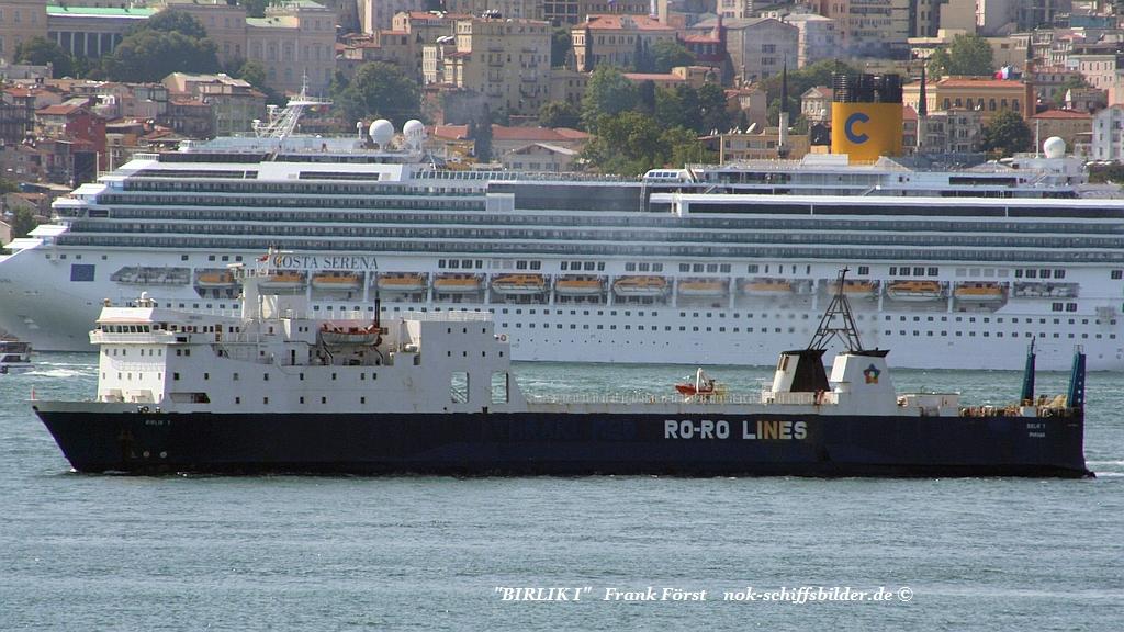 Birlik I  Bosporus 15.05.2008.jpg