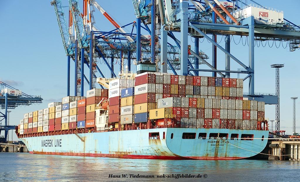 Maersk Utah, SGP, IMO 9305300 - Weser.jpg