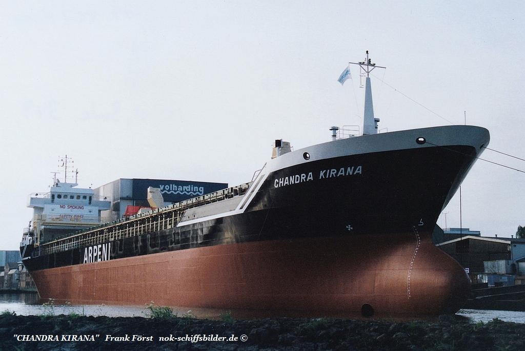 Chandra Kirana  am 19.05.2002 auf der    Werft Bodewes Volharding in Foxhol.jpg