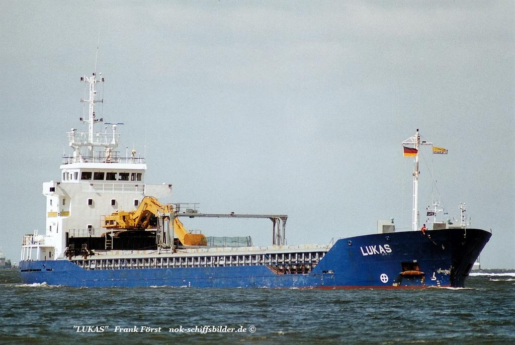 Lukas (040805)    Elbe  Damen shipyard, Foxhol,.jpg