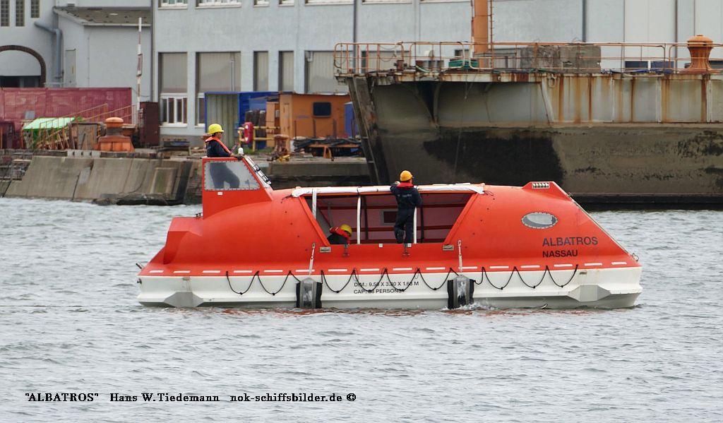 Albatros, NHS - Verholung zur Werft 11.08.2019.  r boot2