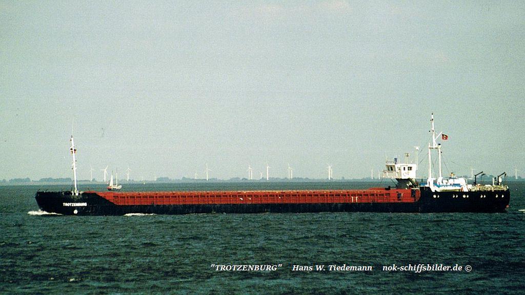 Trotzenburg, ATG, ex Sarah-00 - 18.08.01 Cux