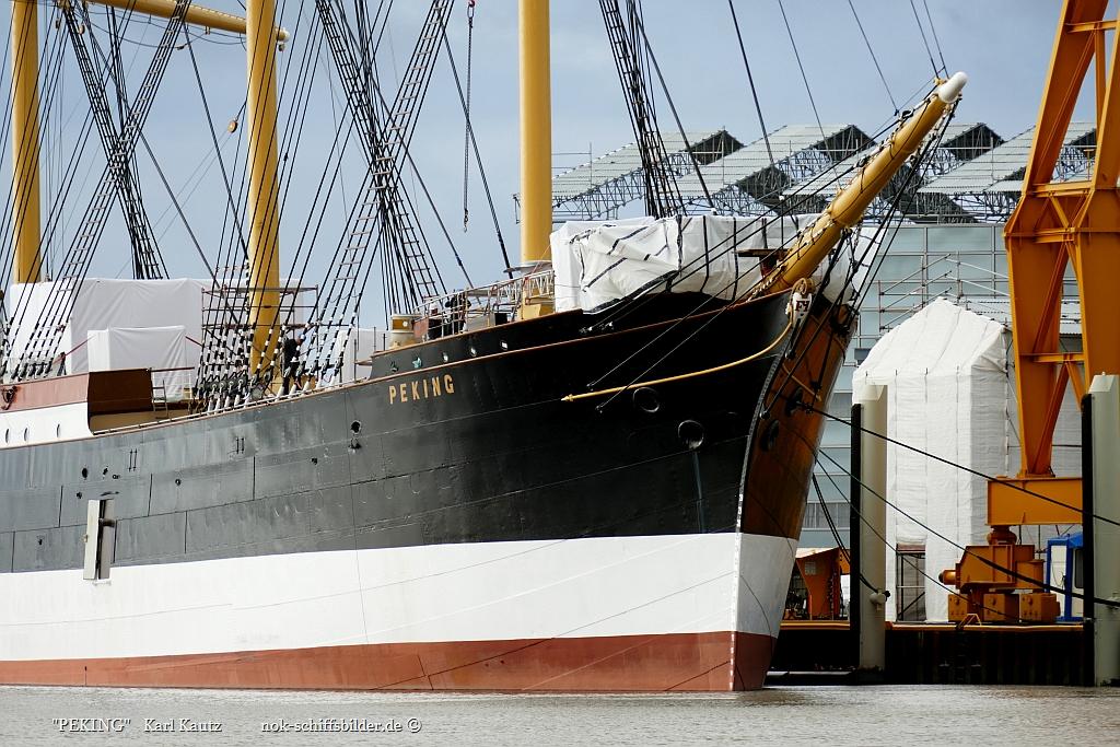 PEKING- Vorschiff