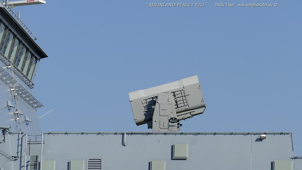 RHEINLAND-PFALZ  F225/ Raketenwerfer
