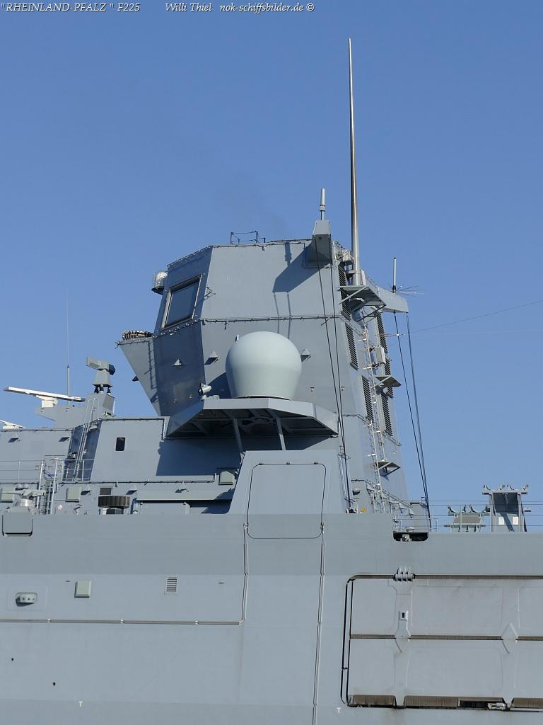 RHEINLAND-PFALZ  F225- Achtere ,Aufbauten