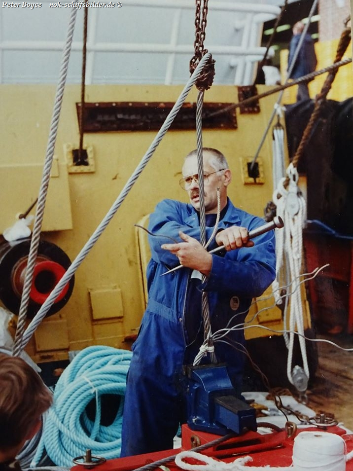 Wire splicing on a Beam Trawler