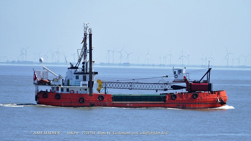 Aase Madsen, DNK, IMO 7731751 - 08.05.20 in Cuxhaven
