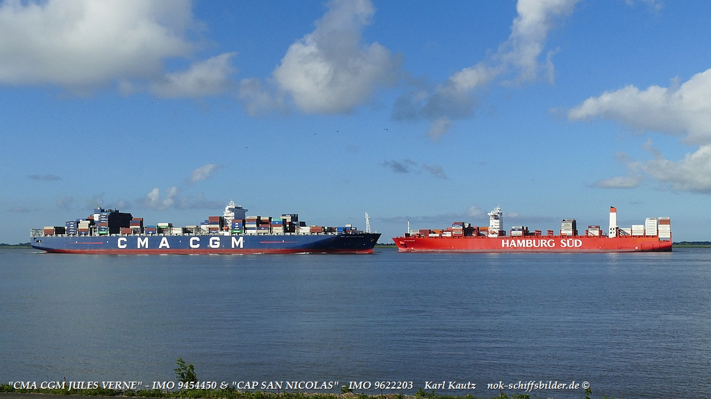 Containerschiffe auf der Elbe....