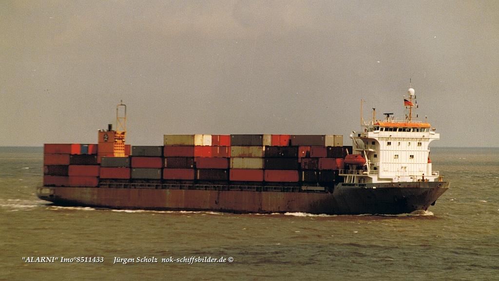 ALARNI  Imo° 8511433 Elbe-Cuxhaven 27.05.1990.jpg