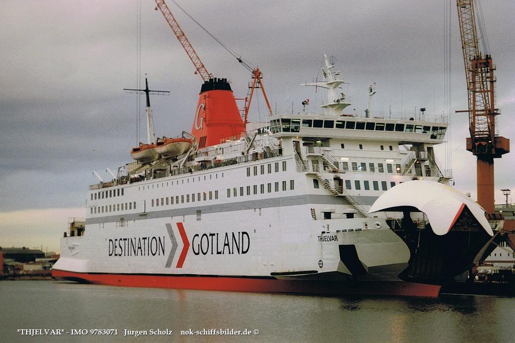 THJELVAR - IMO 9783071  Bremerhaven 01.1998.jpg