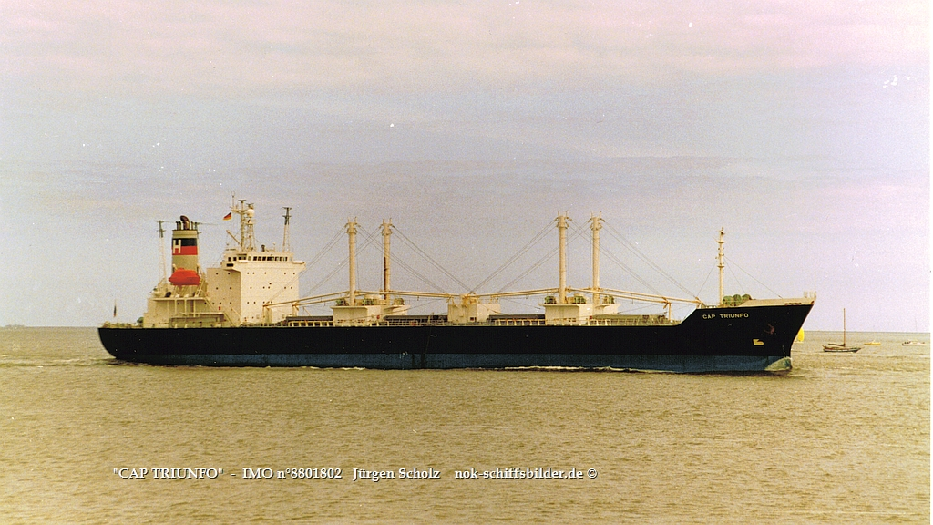 CAP TRIUNFO   -  IMO n°8801802  Elbe-Cuxhaven 26.08.1990.jpg
