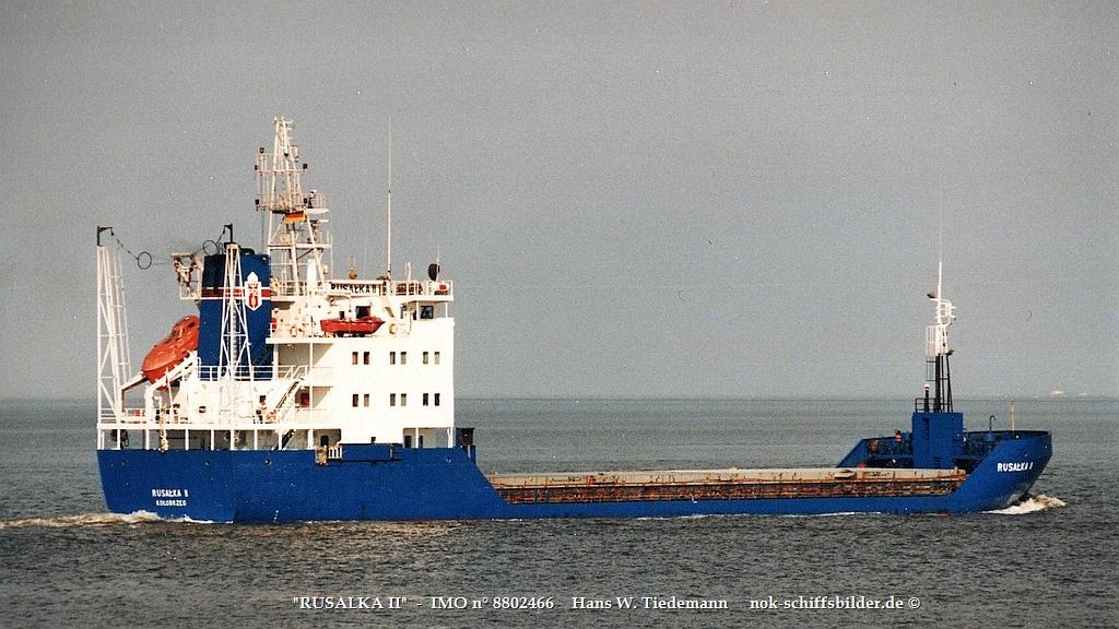 Rusalka II, POL, IMO 8802466 - 21.06.98 Cux.jpg