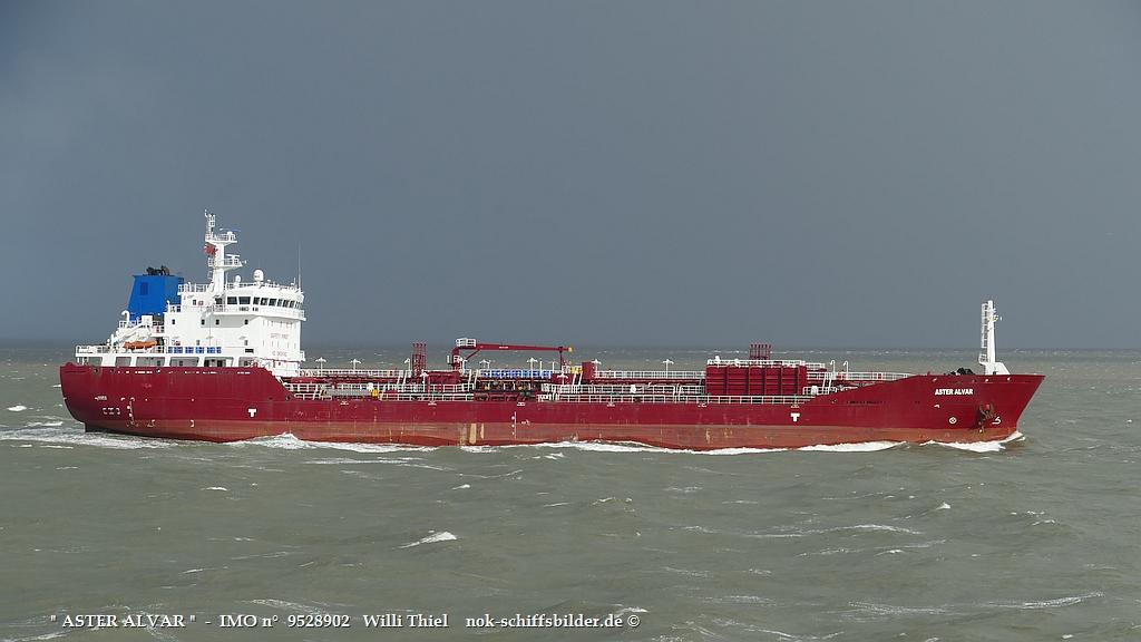 ASTER ALVAR  -  IMO n°  9528902  Elbe-Cuxhaven 15.10.2021 hqt.jpg