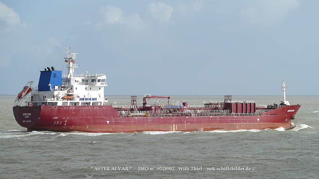 ASTER ALVAR  -  IMO n°  9528902  Elbe-Cuxhaven 15.10.2021 va.jpg