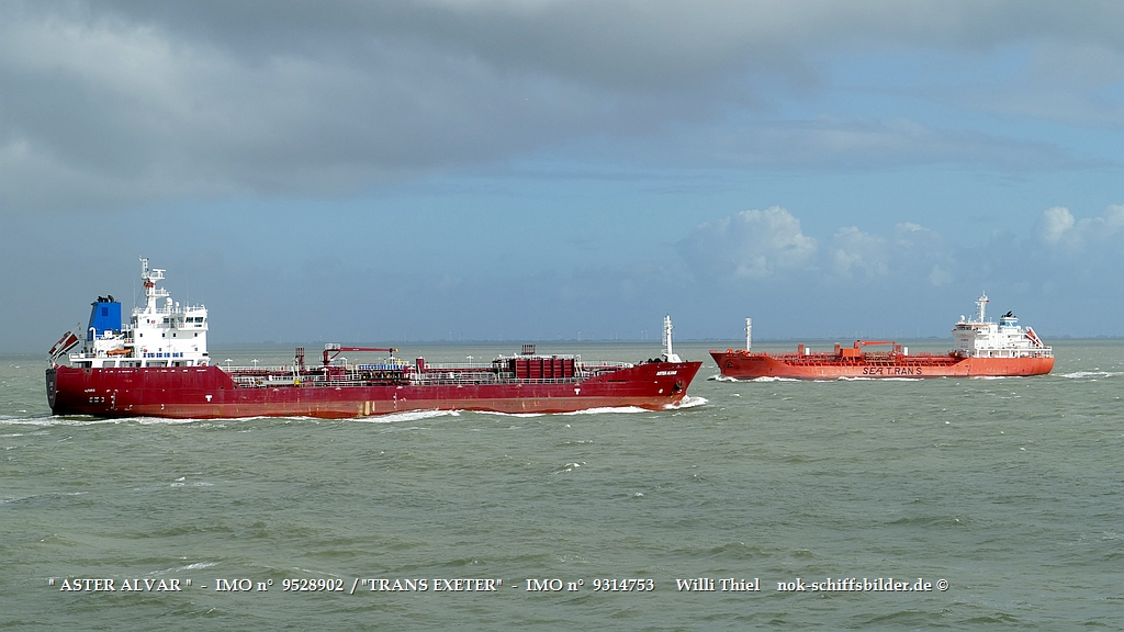 ASTER ALVAR   -  IMO n°  9528902  -TRANS EXETER   -  IMO n°  9314753   Elbe Cuxhaven 15.10,2021.jpg