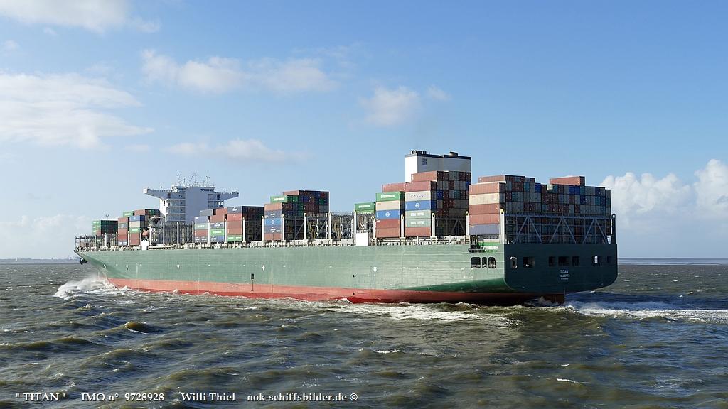 TITAN  -  IMO n°  9728928  Elbe 15.10.2021 va.jpg