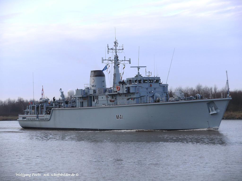 HMS QUORN M41