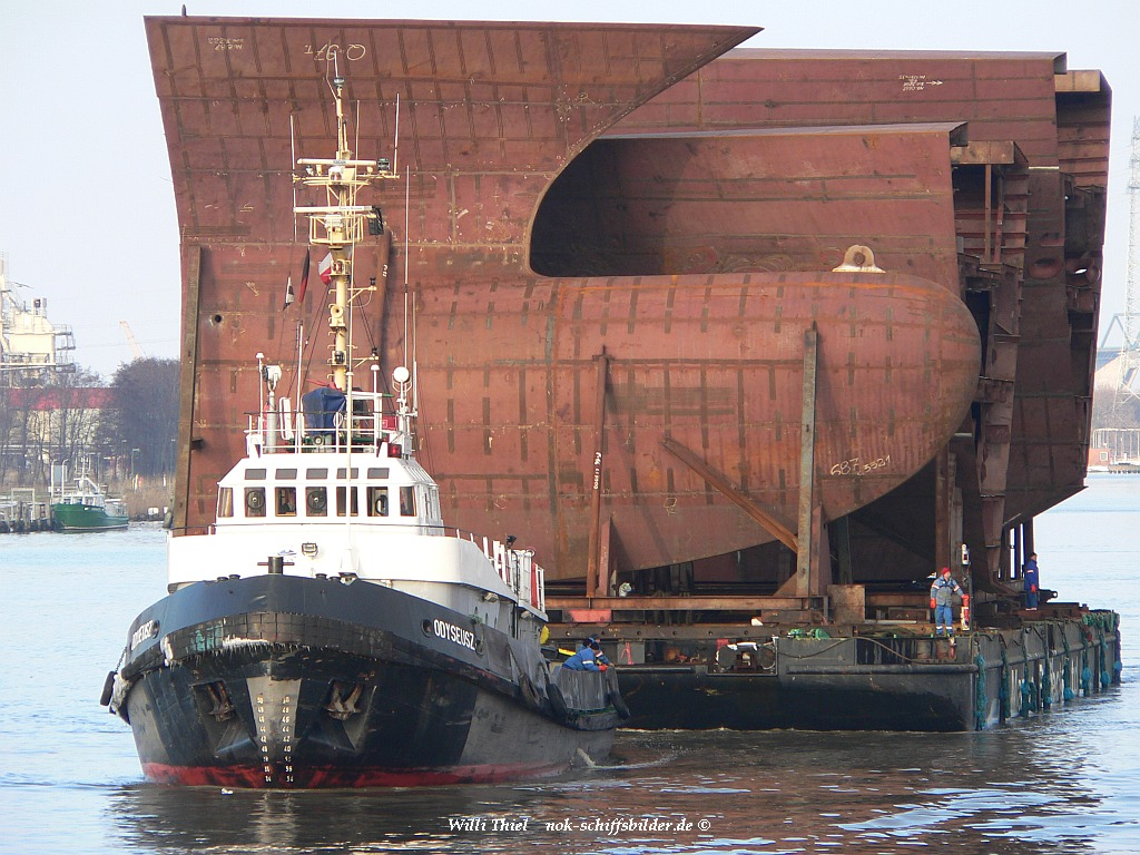 ODYSEUSZ & Barge CONRAD 2