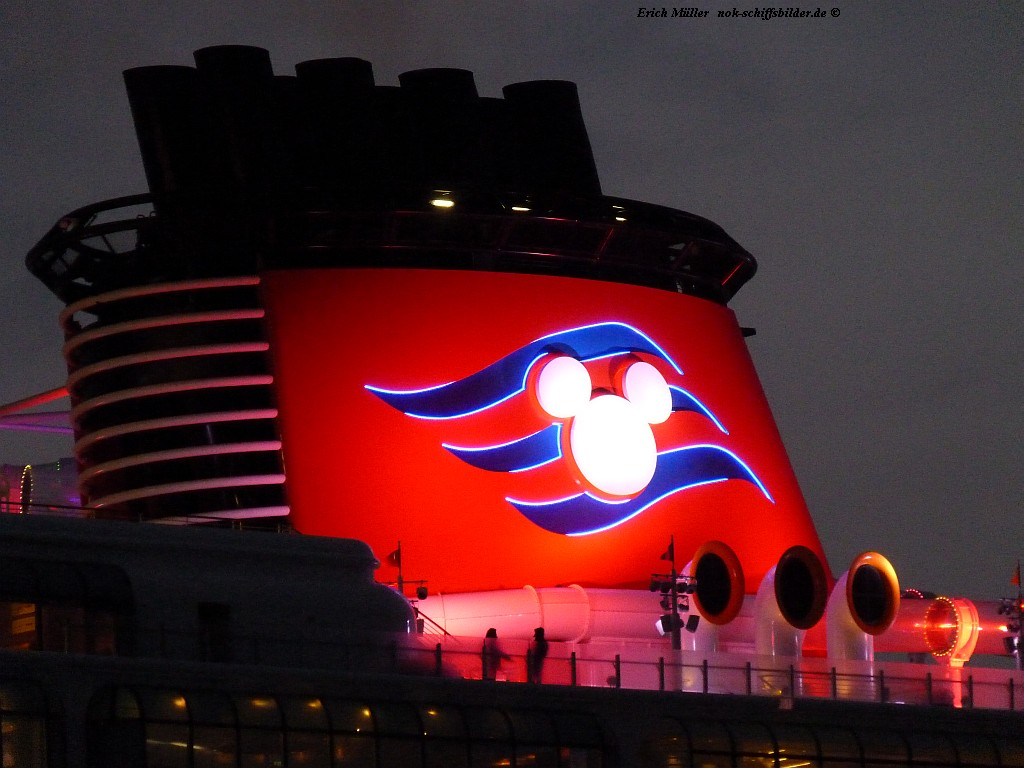 DISNEY DREAM ...
