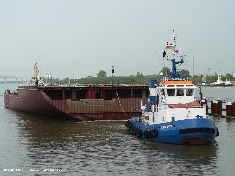 FAIRPLAY VII mit  Schiffsbauteil & PARAT