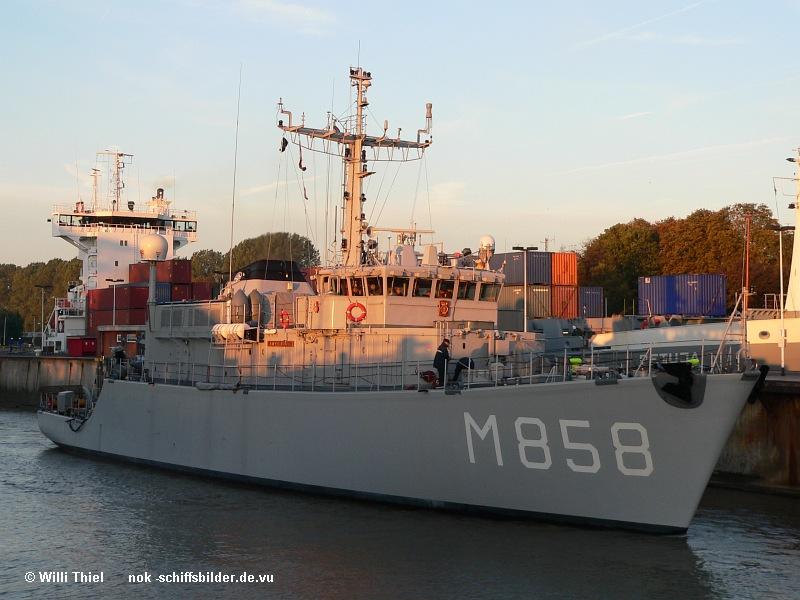 M  858 MIDDLEBURG