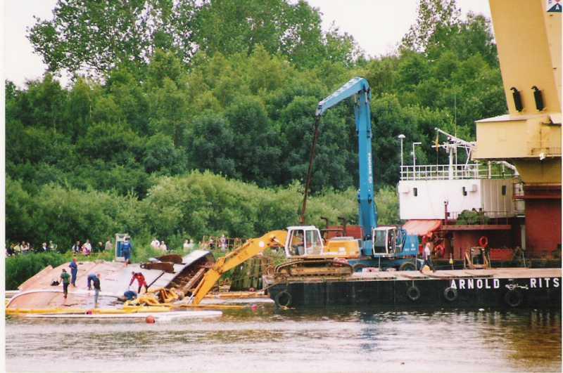 UNO,am 11.07.2002 in der Weiche Dükerswisch gesunken