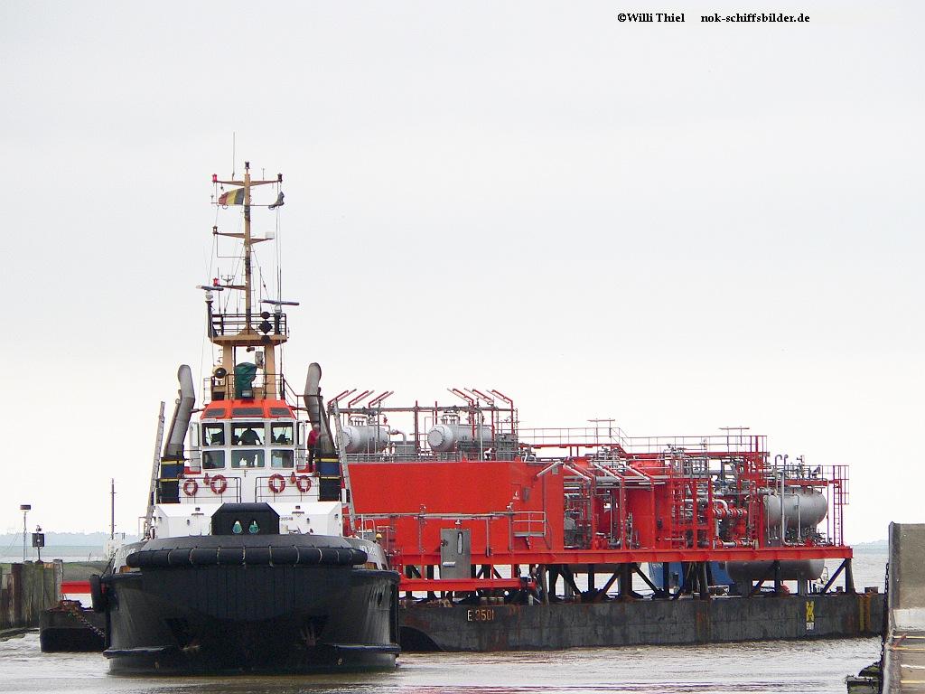 UNION DIAMONT & Barge E 3501