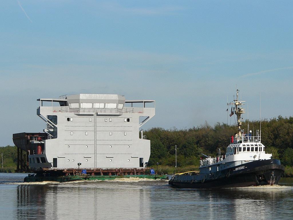 ODYSEUSZ & Barge
