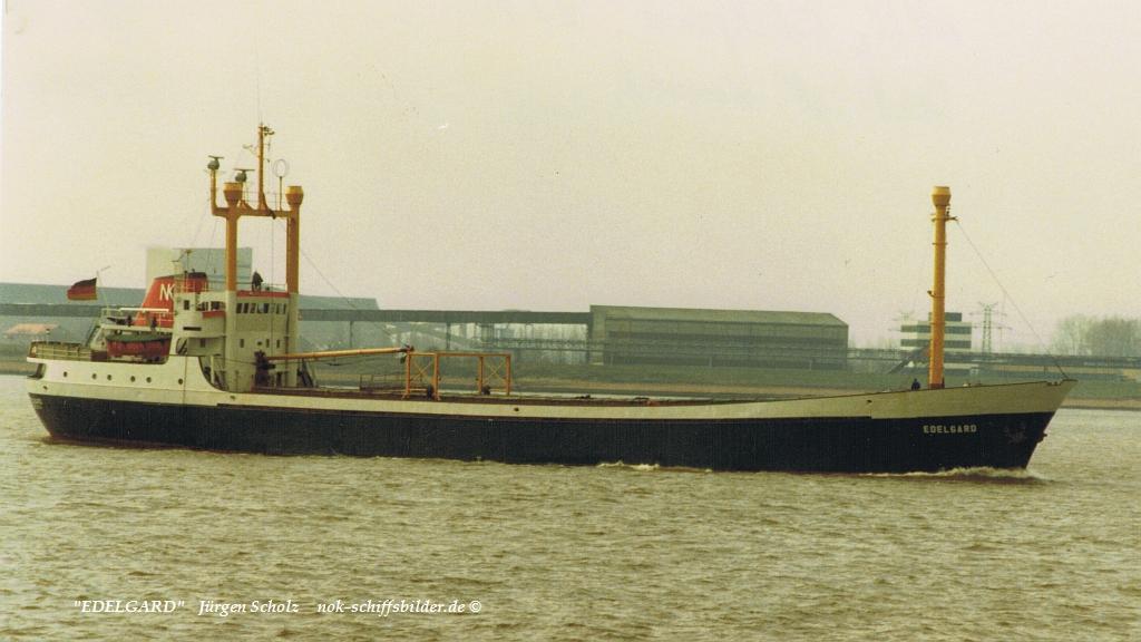 EDELGARD Weser Bremerhaven 04.1983.jpg