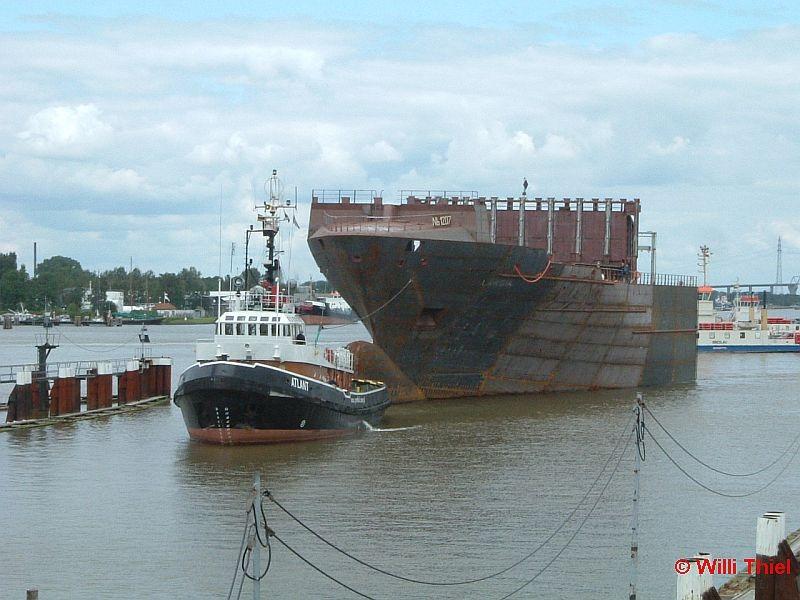 ATLANT mit Barge