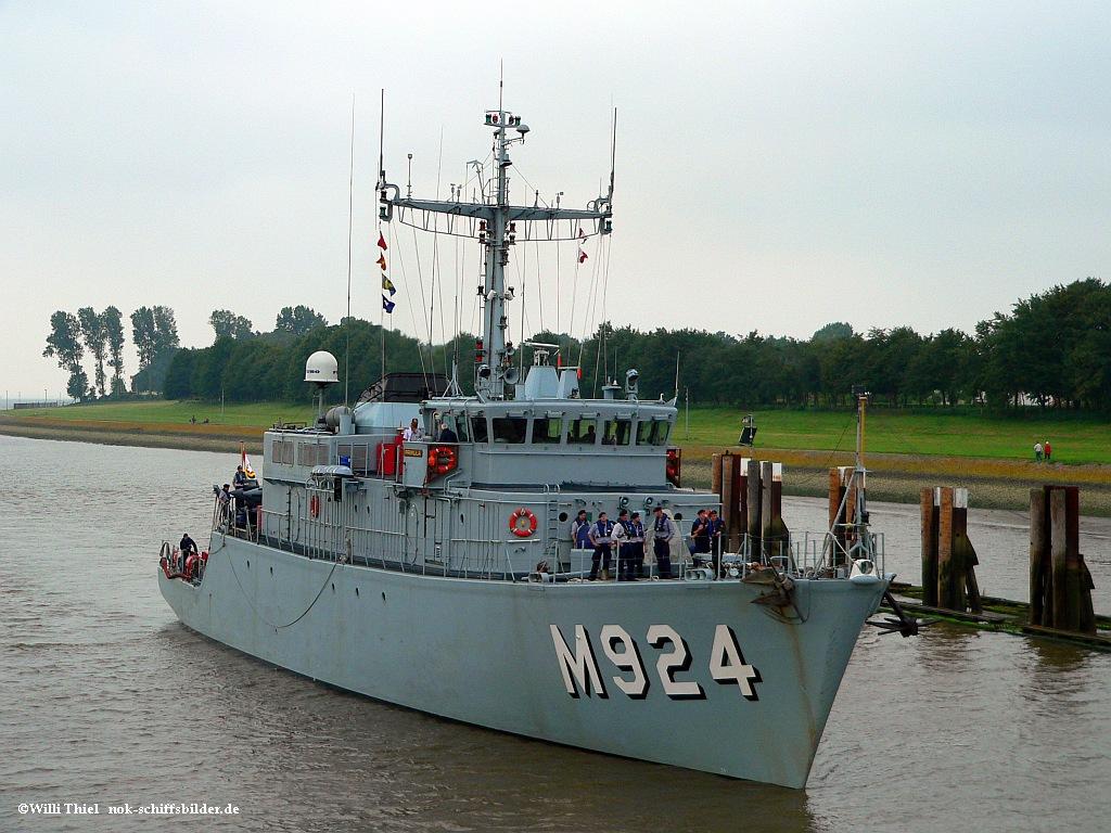 M 924