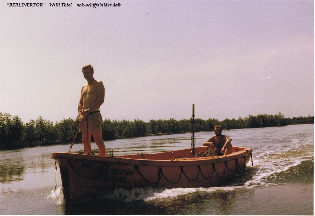 BERLINERTOR S1  Urwald - Expedition