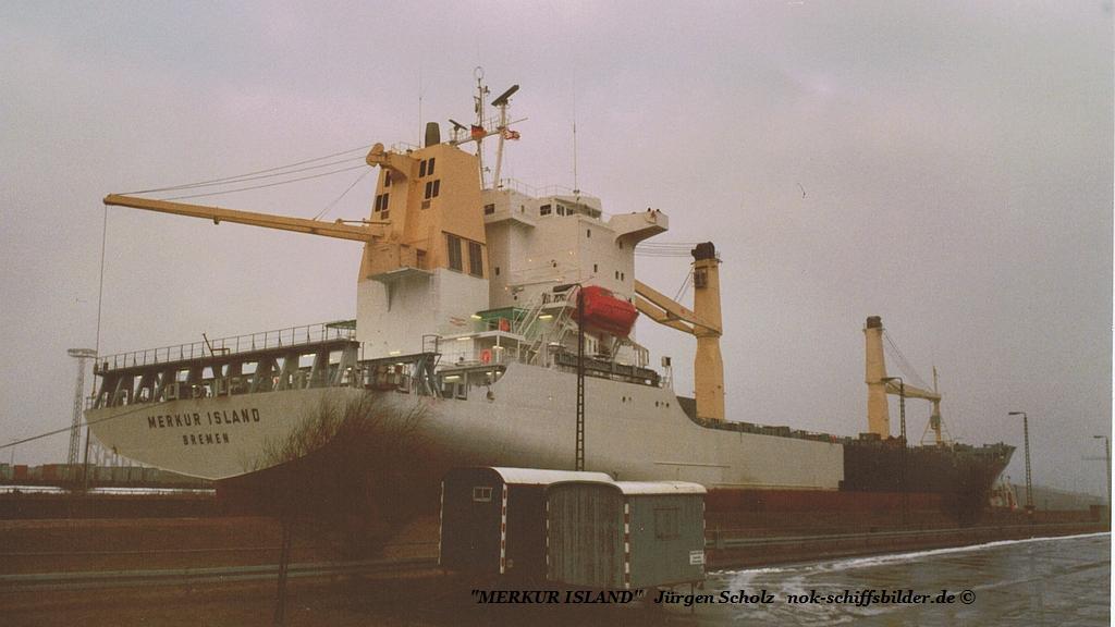 MERKUR ISLAND Bremerhaven 13.01.86.jpg