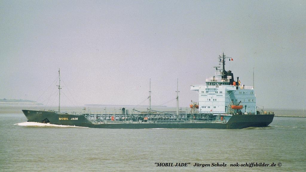 MOBIL JADE Weser Brtemerhaven 27.08.1986.jpg