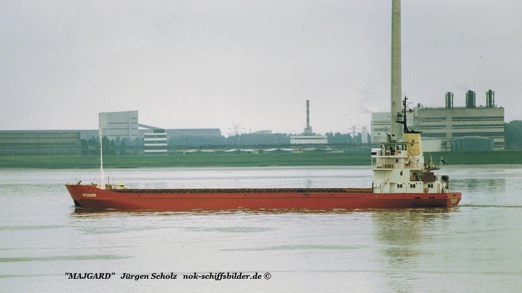 MAJGARD Weser Bremerhaven 11.06.1986.jpg
