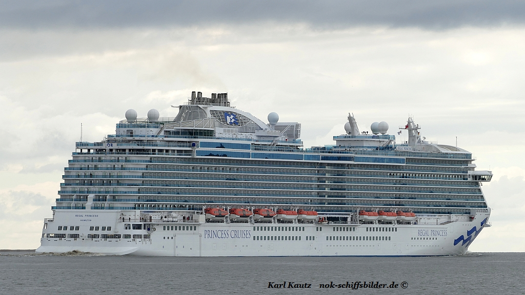 Regal Princess (KK-280417-7).jpg