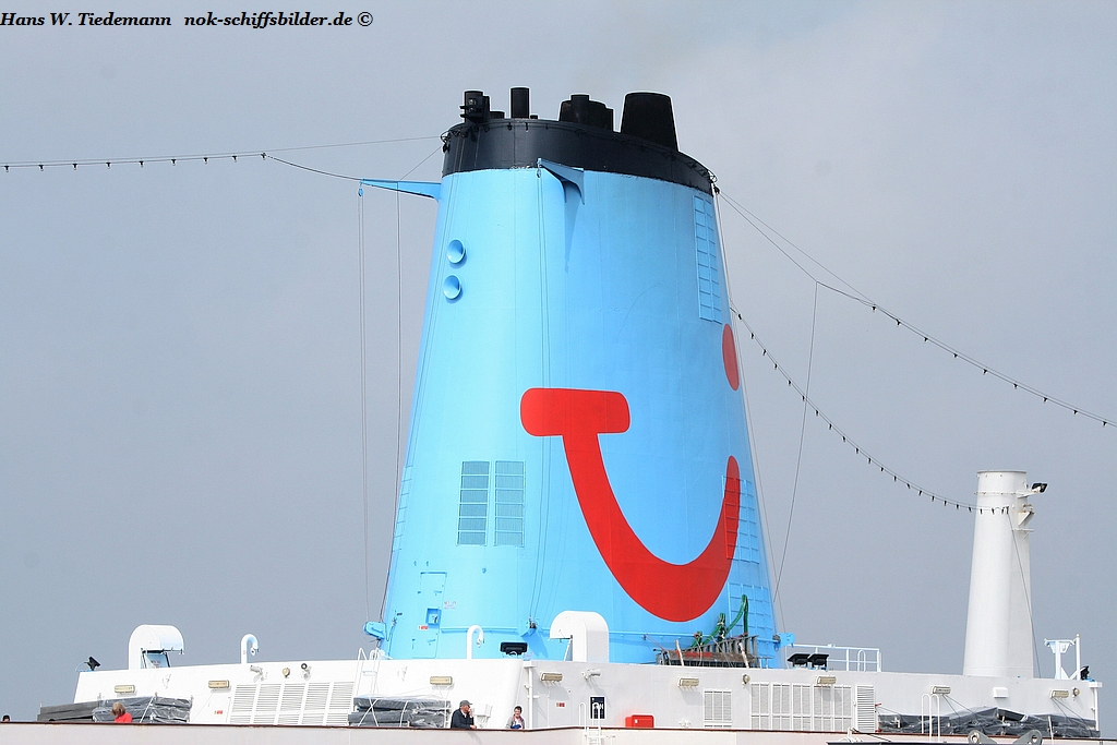 THOMSON CELEBRATION -Columbia Cruise Services