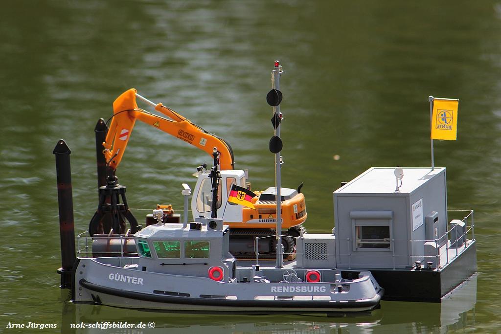 GÜNHTER mit Barge.jpg