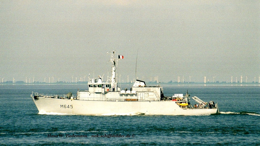 Orion M 645, 615 to. displ. - minehunter - 09.06.02 Cux