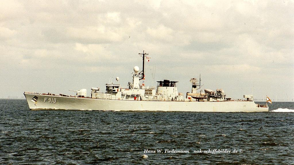 Wielingen F 910 - 29.04.96 Cux2