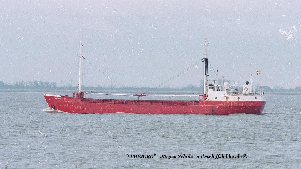 LIMFJORD Weser Bremerhaven 04.1983.jpg