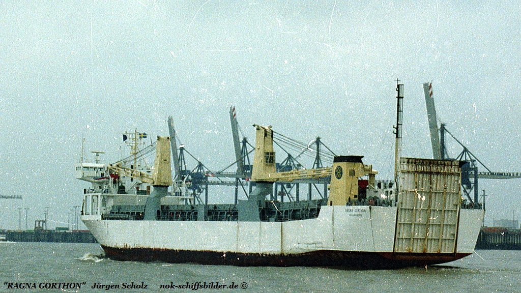 RAGNA GORTHEN Weser Bremerhaven 04.1983 va.jpg