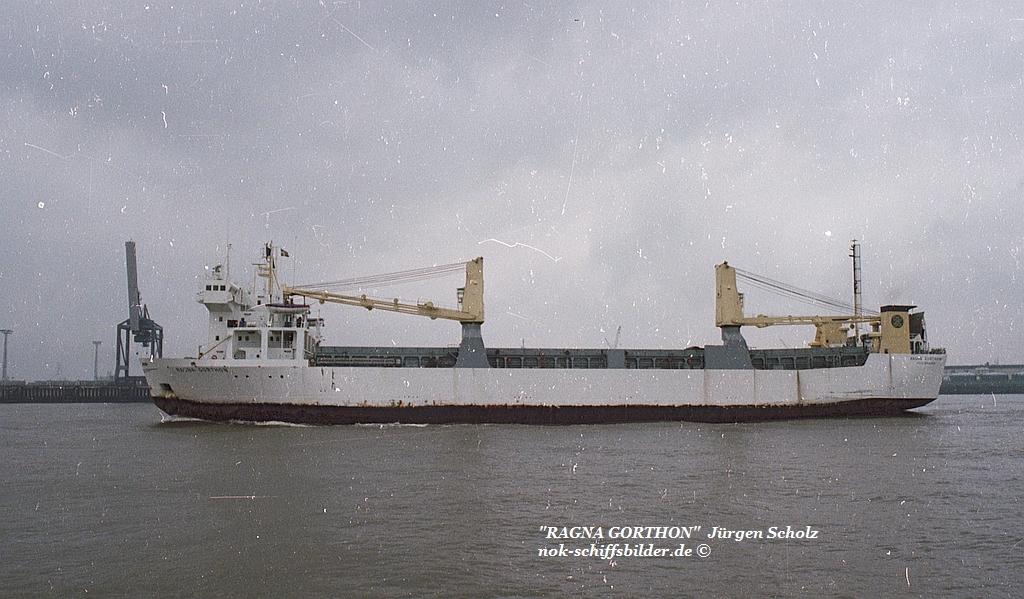 RAGNA GORTHEN Weser Bremerhaven 04.1983.jpg