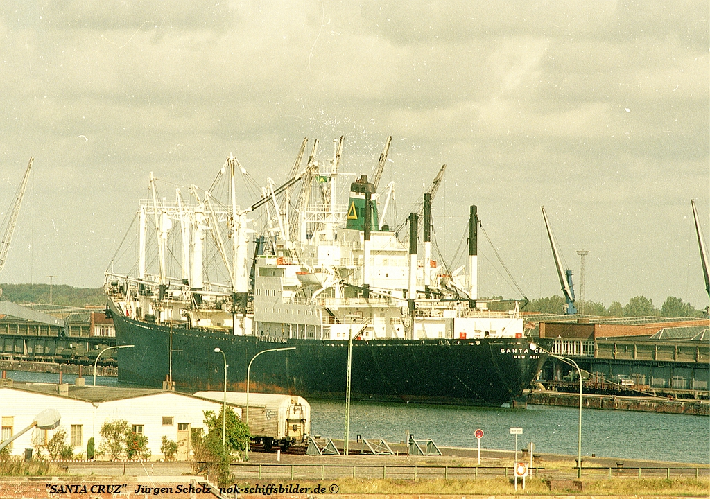 SANTA CRUZ   Bremerhaven 09.1983.jpg